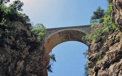 Αίτημα των Ανθέων της Πέτρας προς την Περιφέρεια για τη διάσωση 15 παραδοσιακών γεφυριών της Πελοποννήσου